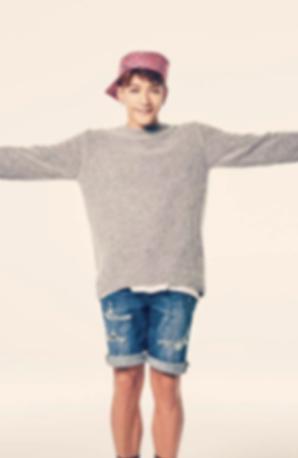 2PM 준케이 팔꿈치 손가락